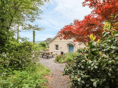 Photo for THE GARDEN COTTAGE, pet friendly in Kidwelly, Ref 967102