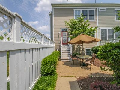 Photo for 2VIL: Large 6BR Bear Trap Rowhome! Steps to Pools, Golf, Restaurant!
