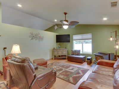 Photo for Dog-friendly house with a large yard - river access nearby!