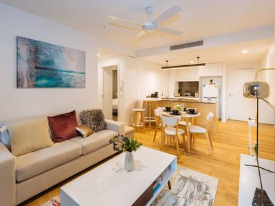 Photo for ★Beautiful ★ 2 Bed Apt in the Heart of SouthBank