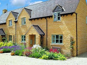 3 bedroom property in Chipping Campden.