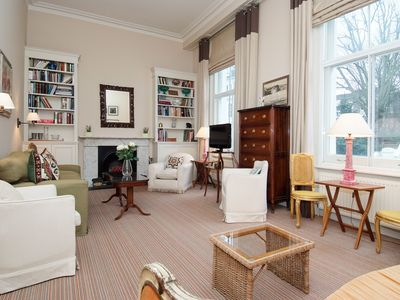 Photo for Delightful 2,5 Bedroom Apartment In Chelsea