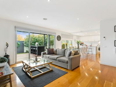 Photo for Near The Beach - Holiday Comfort in Mornington
