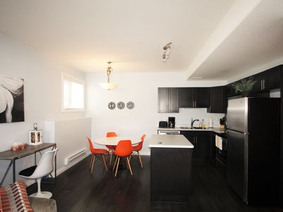 Photo for Elegant Suite near Airport 2Bd, 1BR, Parking - Two Bedroom Apartment, Sleeps 6