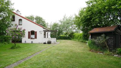 Photo for Family-friendly, spacious and comfortable bungalow in a central location