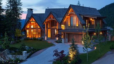 Photo for Luxury Kadenwood Chalet | Spring Sale: Save up to 25% off