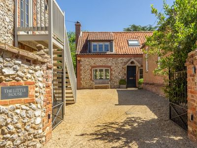 Photo for A beautiful, spacious, light and characterful detached property.