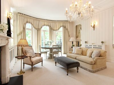 Photo for Big, bright, Knightsbridge Studio with Garden Square View and Free WiFi