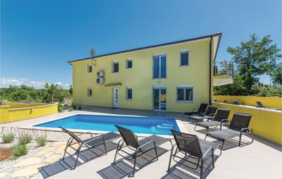Photo for 4 bedroom accommodation in Perci