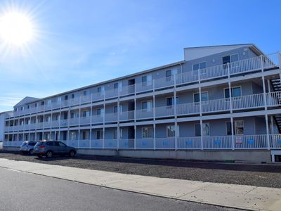 Photo for BAYFRONT condo. Boatslip comes W/ rental which holds boat up to approx 20 feet + or -