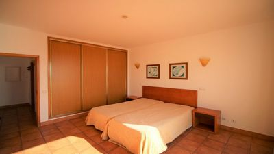 Photo for One bedroom apartment - Lovely beach location - Porto de Mós beach - AM / PM
