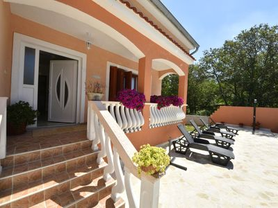 Photo for Nice apartment for 8 people with WIFI, A/C, private pool, TV, pets allowed and parking