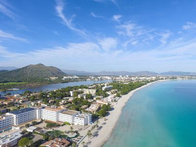 Photo for Modern apartment, 50 meters to the beach, good facilities, internet, air conditioning