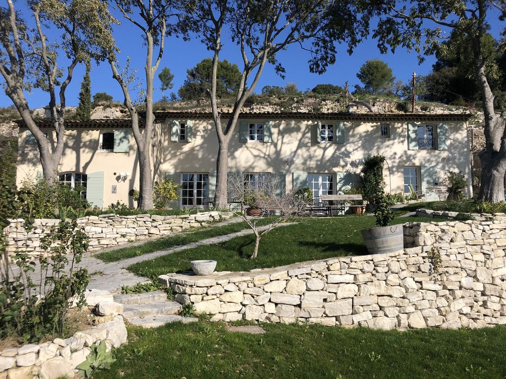Stone Aix En Provence beautiful 6 bedroom villa in a quiet pool near aix en provence exceptional  site - Éguilles