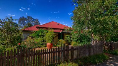 Photo for Benalla's Rushton Cottage B&B Studio - 2 rooms.