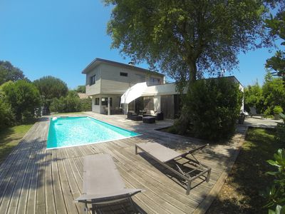 Photo for Contemporary house 180m2, quiet, heated pool, 800m from the ocean