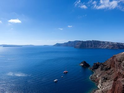 Photo for 'The Big Blue' Villa with Jacuzzi In Oia