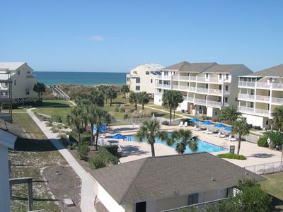 Photo for 15% Discount in Aug & Sept.. Free $250 Beach Gear; Elevator, Updated Townhome