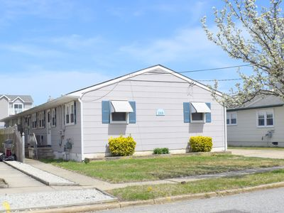 Photo for 2 bedroom, 1 full bath condo in Sea Isle on 56th Street