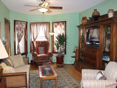 Photo for Great Family Retreat in Lincoln Square *Free WiFi *Back Patio *Grill *Cable TV