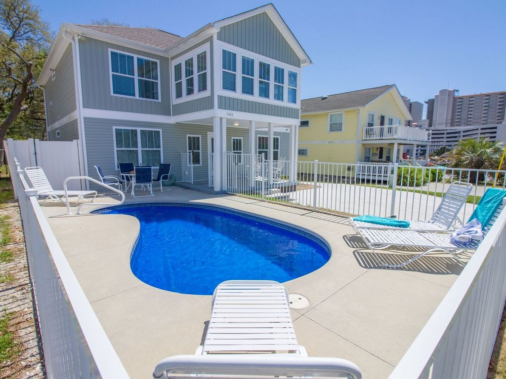 Charming Renovated Private Beach House-Plun... - VRBO
