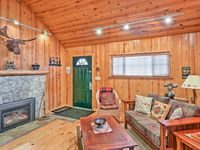 Cozy and comfortable, great location!