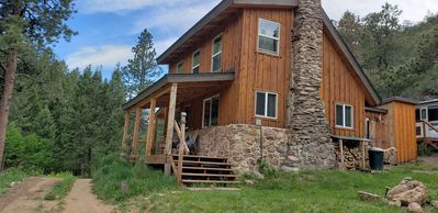 Timber Valley Cabin Off grid secluded hideaway, about an hour from Denver -  Pine