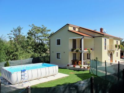 Photo for Apartment Jurani (IPC155) in Pićan - 6 persons, 2 bedrooms