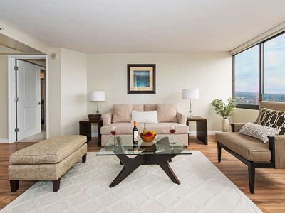 Photo for Panoramic Ocean and Diamond Head Views in Luxury High-Rise Close to the Beach