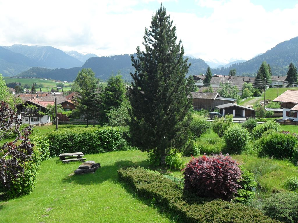 Vacation apartment in a peaceful location with an unobstructed view of the alps bolsterlang - Beautiful panoramic view house to take full advantage of the scenery ...