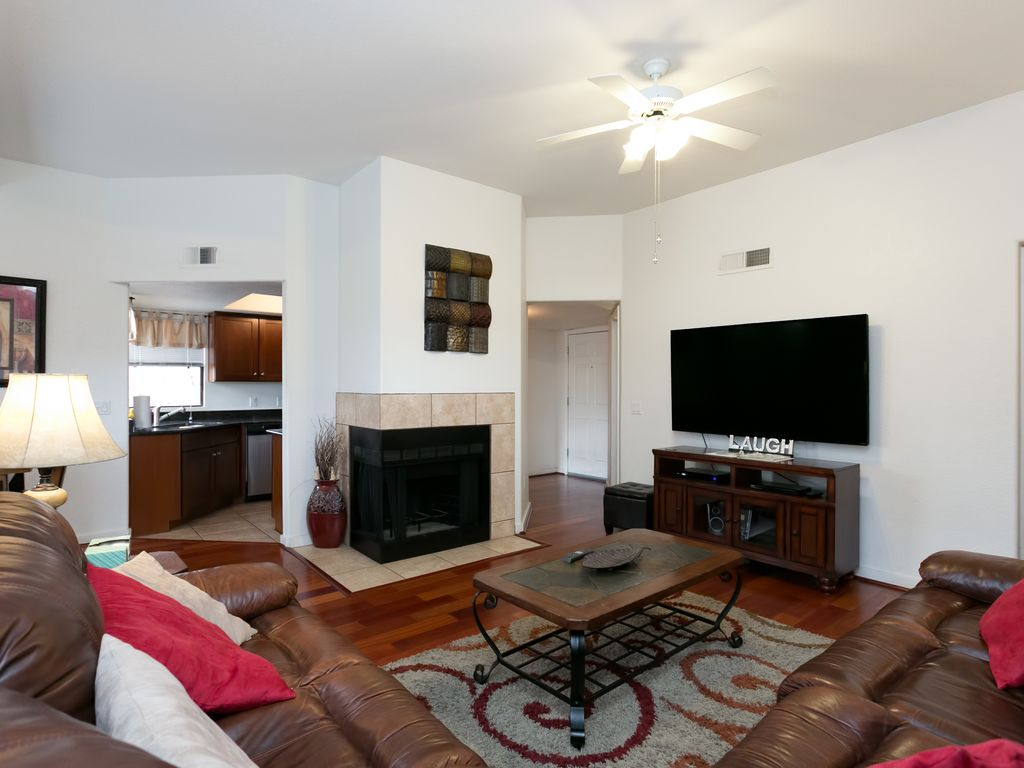 2nd Floor 3 bedrm-Mountain Views with High End upgrades including Wood Floors