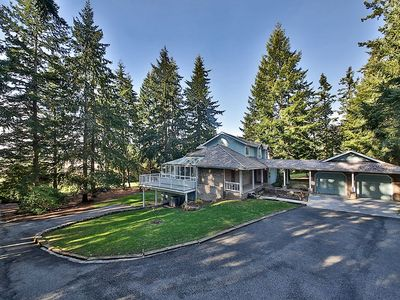 Photo for Beautiful 5 bedroom estate on Whidbey Island (5 bed, 4.5 bath)