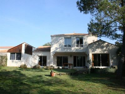 Photo for Villa La Tranche-sur-Mer, 4 bedrooms, 8 persons