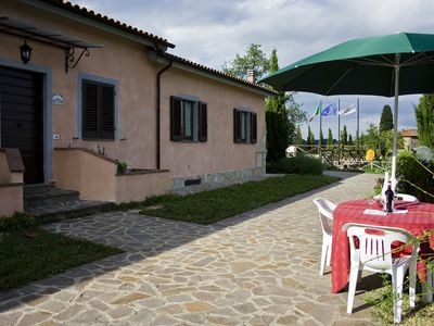 Photo for Apartment in the castle, with restaurant and swimming pool, Quercia