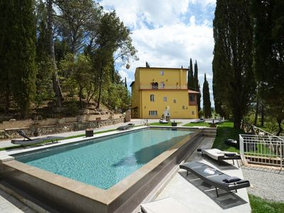 Photo for Luxurious Tuscan Villa With heated swimming pool and private Church