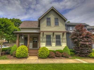 Photo for Fantastic Oasis just 3 minutes from Downtown Nashville!