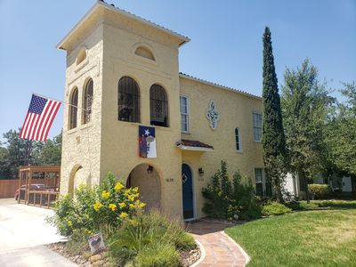 Photo for Spacious (2/1, 1100 sqf) - 5 -15 minutes to Airport, Downtown, SeaWorld, etc.