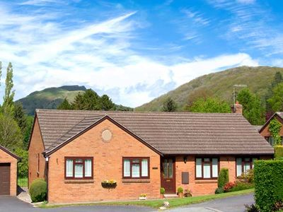 Photo for TREGARTHENS, family friendly in Church Stretton, Ref 906207
