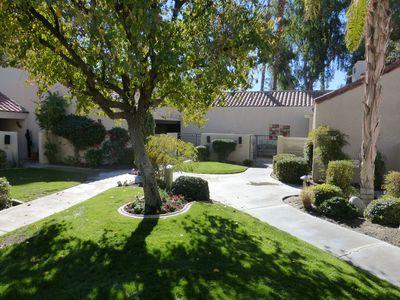 Photo for Beautiful 1640 sf remodeled Tennis Villa, 2 masters+ 3rd br on 17th green