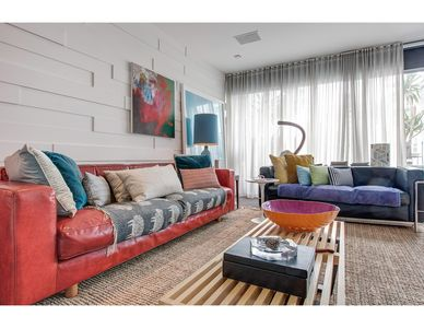 Photo for Bright, arty pad in foodie paradise, close to city