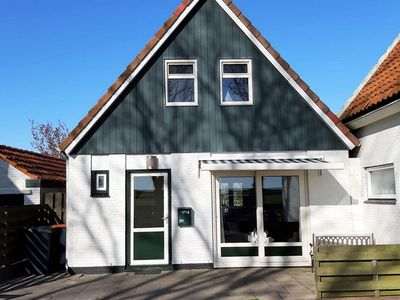 Photo for Ideal holiday home with wonderful garden on Texel, within 2 km of Den Burg