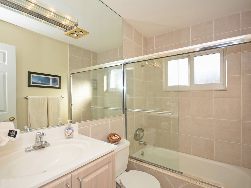 Boca Harbor WATERFRONT With Heated Pool & Jacuzzi Spa FALL ...