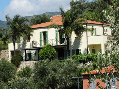 Photo for Modern Villa with pool and wifi near the Mediterranean for 8 persons