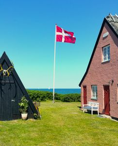 """""""Lisbo"""" an authentic Danish summerhouse   next to the sea"""