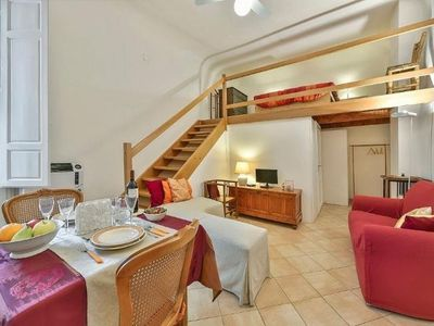 Photo for Mignon apartment in Santa Croce with WiFi, balcony & lift.
