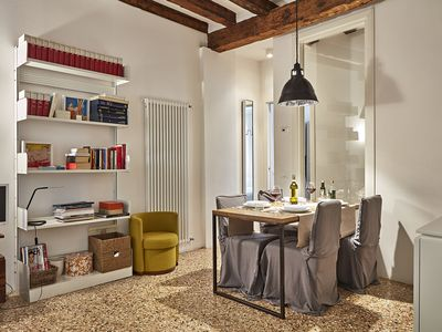 Photo for Design apartment a stone's throw from Rialto