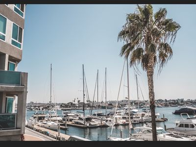 Photo for Relaxing penthouse, breathtaking marina view