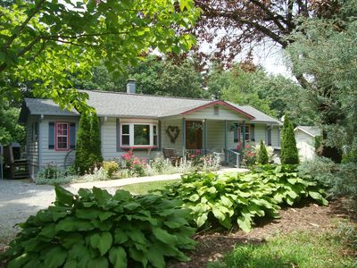 Photo for ROSE COTTAGE/HotTub/Pool/Massage Chair/King & Qu's/GasFP/WiFi/Kid & Dog Friendly
