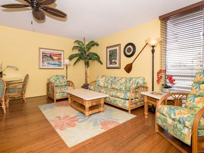 Photo for Top-Floor with Air Conditioning Oceanfront Couple's Retreat with Heated Pool