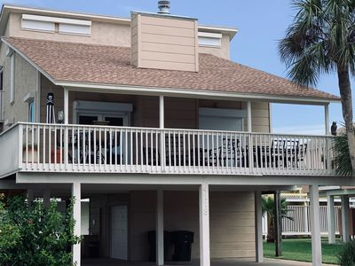 View of beach house. Room to park under the house, in drive or on the street.